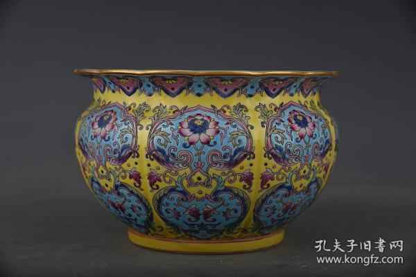清雍正珐琅彩花卉纹缸2