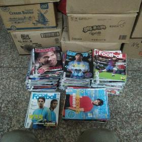 2007-2011 足球周刊 (无重复178本合售)另有赠品若干 详见描述