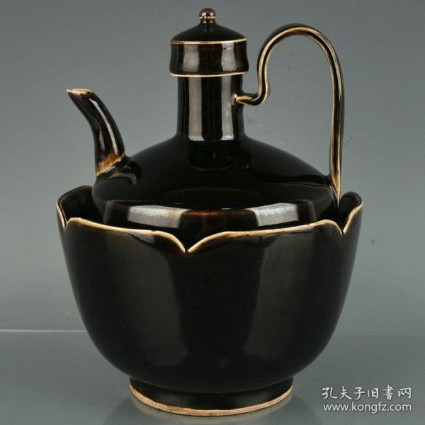 宋定窑黑釉莲花温水套壶