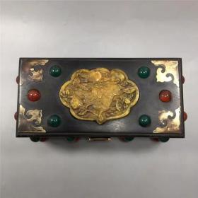 红木镶宝石盒子