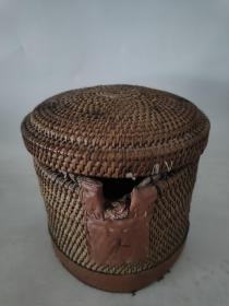 民国老藤编茶壶套,做工精致,包老保真。