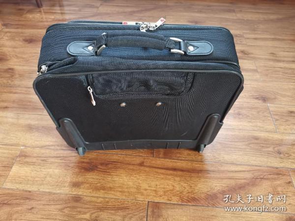 kandex拉杆电脑旅行箱17寸