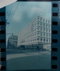 1986年,上海友谊外汇商店、豫园商城大门、百老汇大厦黄浦江、外滩车流彩色负片底片四种