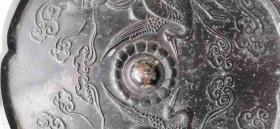 双仙骑双鹤黑漆古铜镜。因本人不懂,请看图自鉴年代。