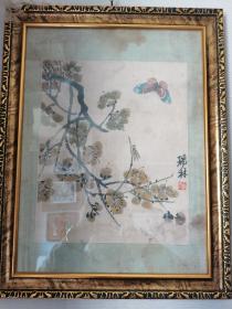 齐白石《蝶梅图》50年代荣宝斋木板水印原装老裱,外框为现代装璜,拍摄因为玻璃反光有杂光,装裱绫子有水渍印