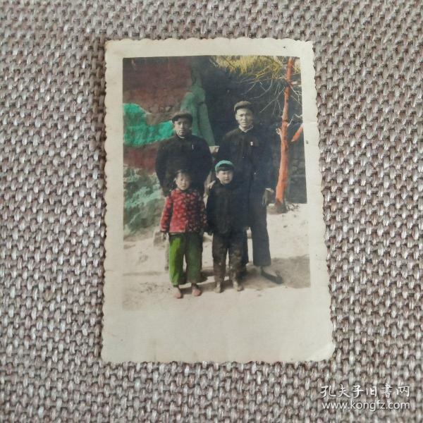 50年代老照片,家庭合影人工上彳