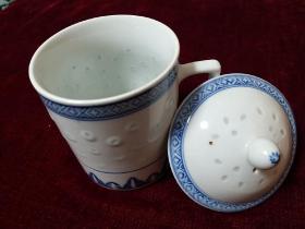 景德镇厂瓷 青花玲珑直式盖杯