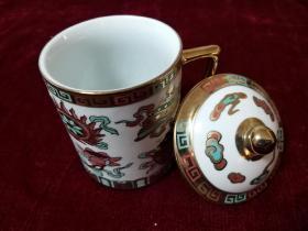 景德镇厂瓷 描金博古八宝直式杯