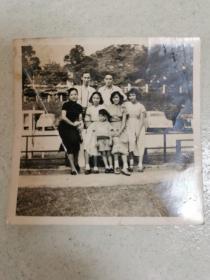民国老照片  家庭合影