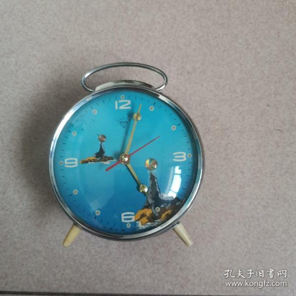 上海钻石牌马蹄表(蓝色表盘海豚图案)