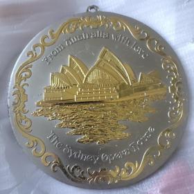 悉尼歌剧院纪念盘 直径14.8厘米局部镀金