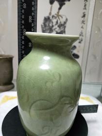 龙泉窑青瓷画花冬瓜瓶,全手工,民间收藏,拍友自鉴,支持鉴定。
