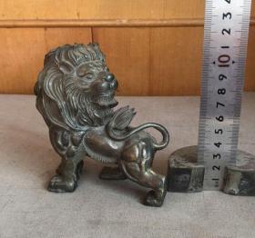 铜狮子摆件