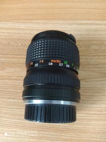 《海鸥》牌胶卷相机镜头,28--70变焦镜头,成色新(如图),无划无霉无灰,变焦顺畅,对焦正常!