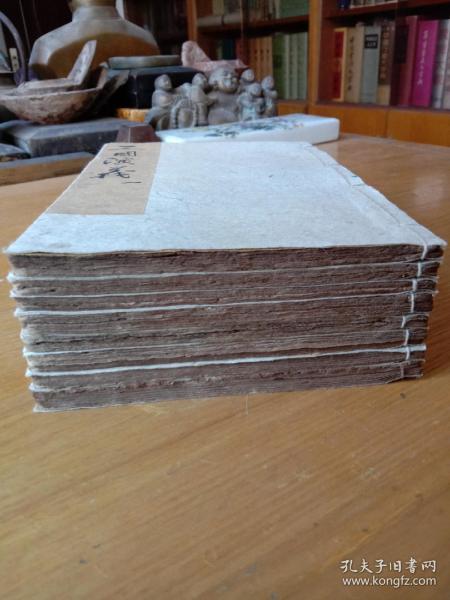 《增像全图三国演义》,金圣叹批评原著,据顺治板光绪石印,原装一套十六册,合订八册全。 规格20.3X13.5X6cm