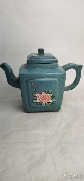 下乡淘宝偶得一把老紫砂壶,造型奇特,尺寸如图,画工精美,完整漂亮!