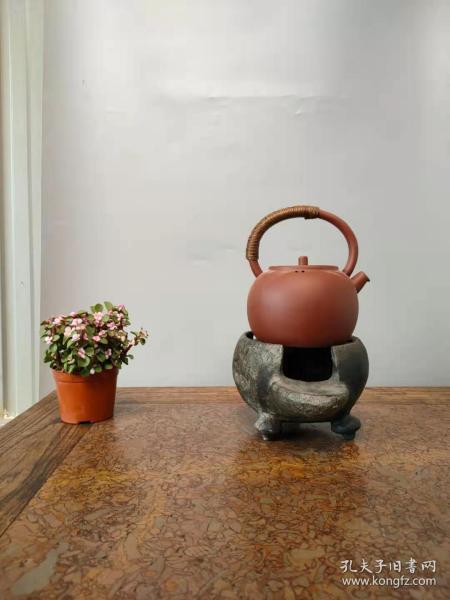 清中期石头煮茶炉,小巧玲珑,包浆浑厚,全品正常使用。包老保真。