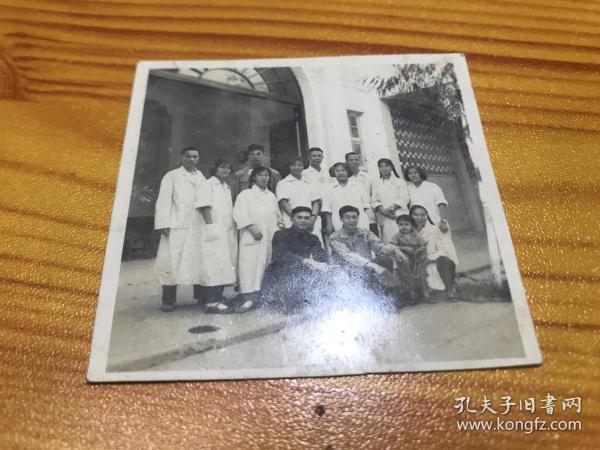 1959年广东中山市石岐人民医院,医生合影