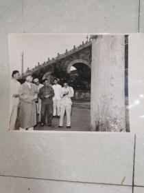 刘少奇主席参观龙亭(原版照片)