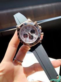 机械表,迪通拿系列 自动机械  尺寸43mm 镀膜玻璃 胶表带 原装扣,单个价!
