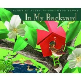 【进口原版】In My Backyard [With Dust Cover Flips Over t...