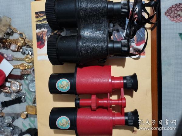 七,八十年代,老式,玩具望远镜,品相完好,无任何瑕疵,售价每个30元。