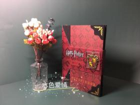 哈利波特格兰芬多 金属徽章 刷金布面脊背 豪华版笔记本The Noble Collection Harry Potter GRYFFINDOR Metal Crest