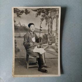 老照片 战友琴声六十年代初