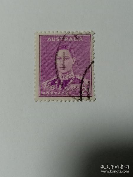 澳大利亚早期邮票 乔治六世国王 2d 带水印 乔治六世(1895年12月14日-1952年2月6日),英国国王,乔治五世次子,退位的爱德华八世之弟。1936年12月11日至1952年2月6日在位。他是最后一位印度皇帝(1936-1947)、最后一位爱尔兰国王(1936-1949),以及唯一一位印度自治领国王(1947-1949)。英国国王邮票