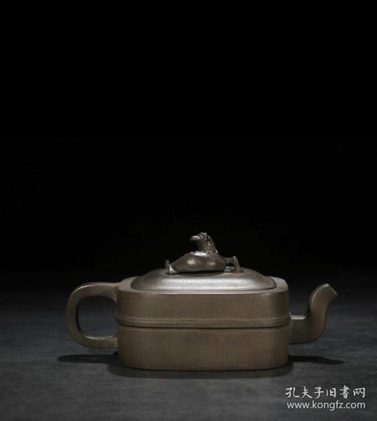 蠡龙束带方壶