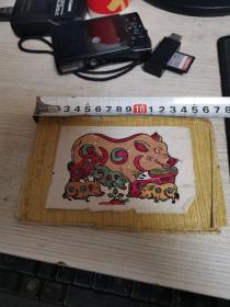 一个日本作家送给中国作家的(五六十年代的好像中国年画一样的小画)在一个信封里9张,信封,封面还有一张,