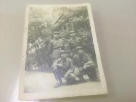 1961年桂林七星岩四个军人合影