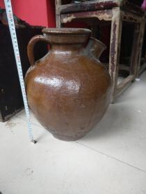 民间烤酒的酱釉大酒壶,高37公分