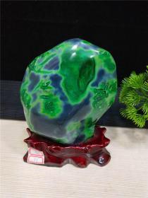 """绿玛瑙原石,纯天然水冲绿玛瑙原石,现在在的绿玛瑙极少,绿色代表""""希望和生命的象征"""",这块绿玛瑙非常稀有,资源即将枯竭,,压手感强,包浆醇厚,沁色自然,皮壳老道,极高收藏价值,可遇不可求的翡翠原石珍品"""