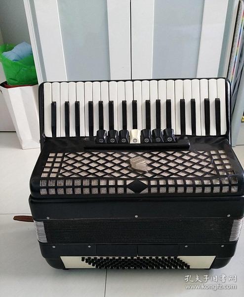姜杰牌96贝司手风琴