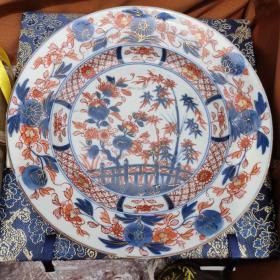 清康熙时期的青花矾红描金花卉翠竹盘,绘画精美,发色沉稳纯正,胎脂干老,修足规整,有三处飞皮,没冲线。品相如图。详细看图