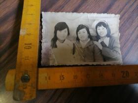 三姐妹照..