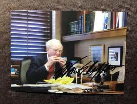 巴菲特 亲笔签名照片 7寸  收藏品