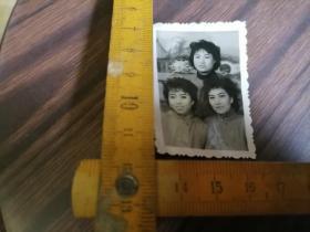 浓装三姐妹照..