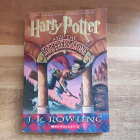 Harry Potter and the Sorcerer's Stone(全英文)