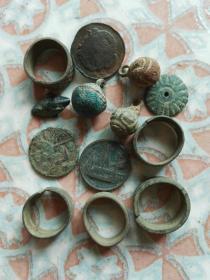 铜杂件一堆
