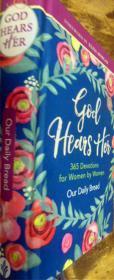 英文原版       God Hears Her,Our Daily Bread: 365 Devotions for Women by Women