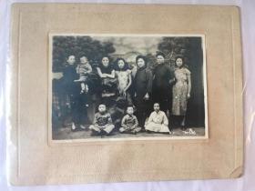 民国老照片——民国大家族妻妾儿女合影