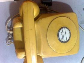 不带拨号盘的老式电话