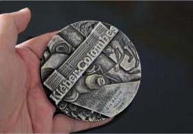 法国 大银章 非大铜章 直径9厘米 374克 克莱贝尔白鸽城