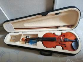基本全新的4/4小提琴