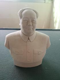 文革时期,毛主席瓷半身像(摆件)尺寸19:×15cm