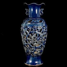 五代十国柴窑系透孔,荷口瓶