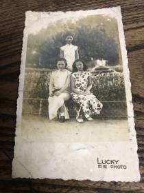 民国老照片---三个旗袍美女