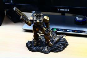 奥格瑞玛 金属 星际争霸2 人族 芬利 雕像 星际机枪兵模型(青铜)